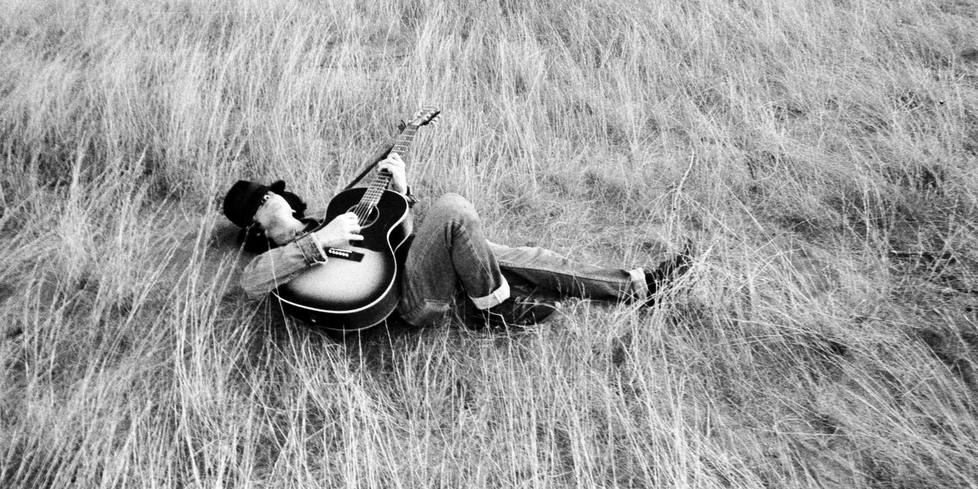 Ian Penn records new single 'Death of a Traveller' in a church – listen