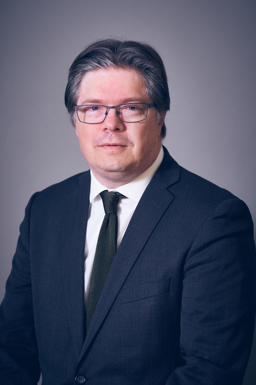 Larry Söder.