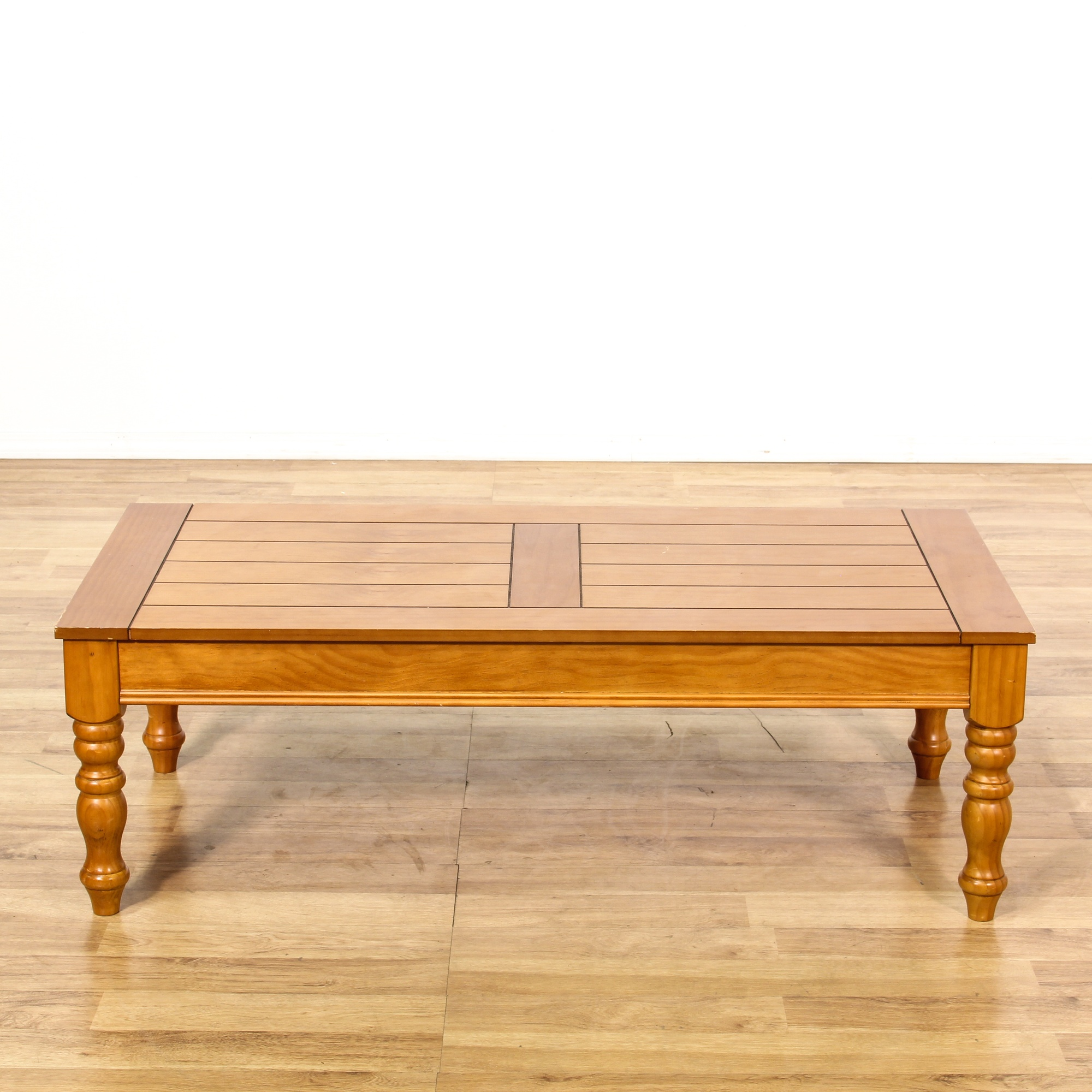 Pine Coffee Table With Turned Legs: Rustic Country Pine Stained Coffee Table 2