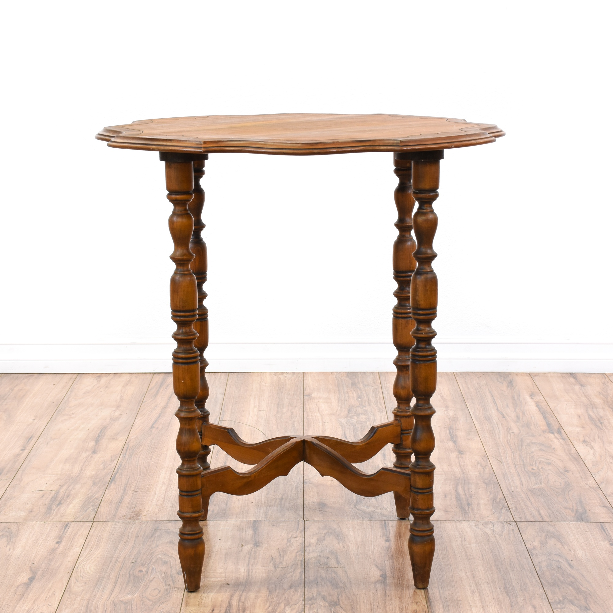 Exceptional Spindle Leg Table #19 - Loveseat Vintage