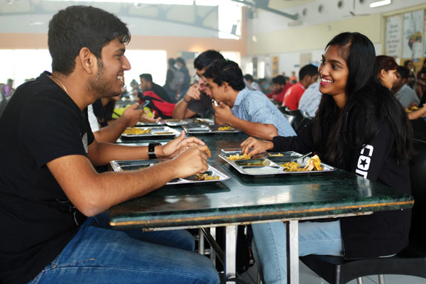 students-having-lunch-in-one-of-the-two-dining-halls-at-shiv-nadar-university