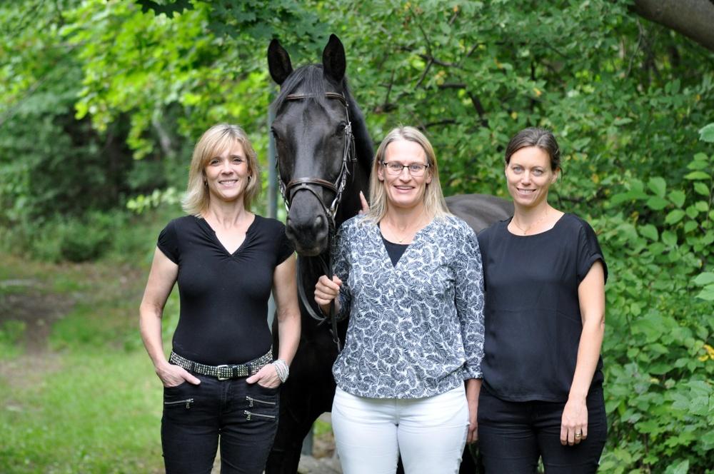 Ztables grundarteam har lång erfarenhet från hästbranschen. Från vänster Totta Ogander, Erika Hjertén och vd Ingrid Sundqvist.