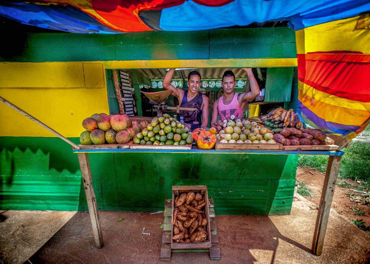 cuba locals selling fruit