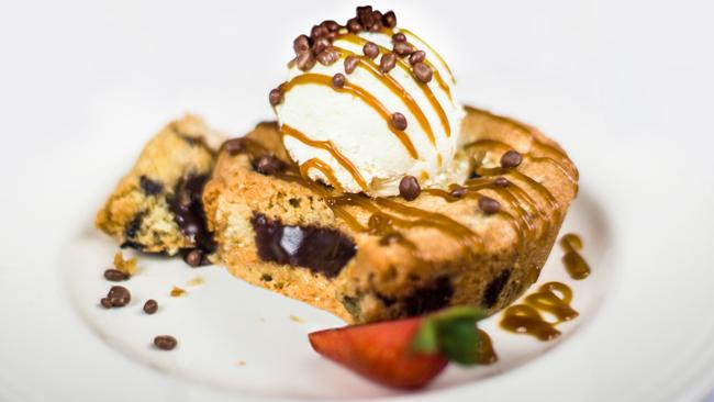 4665-individual-chocolate-cookie-lava-melt-editmid