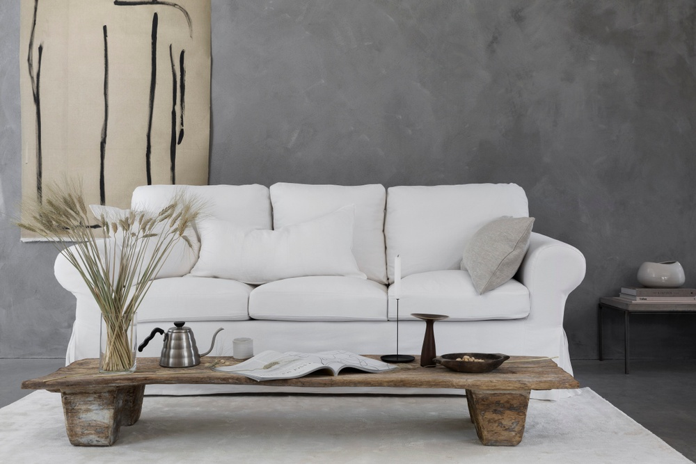 Bemz cover for IKEA Ektorp 3 seater sofa, without piping, fabric: Simply Linen Absolute White. Cushion covers, fabrics: Rosendal Pure Washed Linen Absolute White and Brera Lino Natural, Designer: Designers Guild.