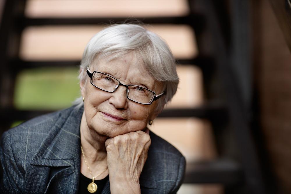 Anita Salomonsson, medverkar i författarsamtal i Hjoggböle, på Berättarfestivalen 2020. Foto: Malin Grönborg.