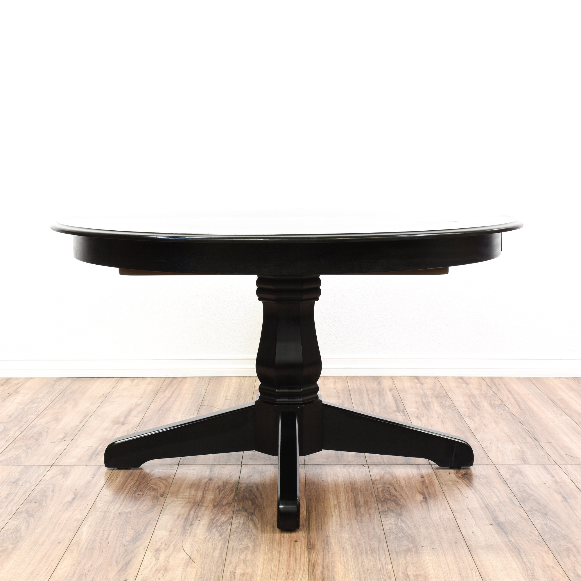 Black pedestal base dining table w leaf loveseat for Black dining table with leaf