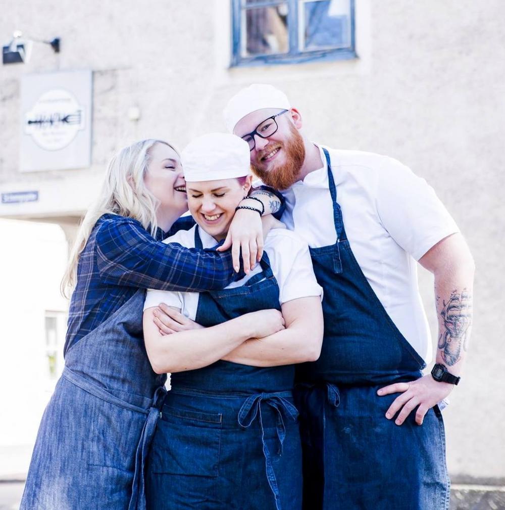 Restaurang Hörnets Mia Bremer med personal