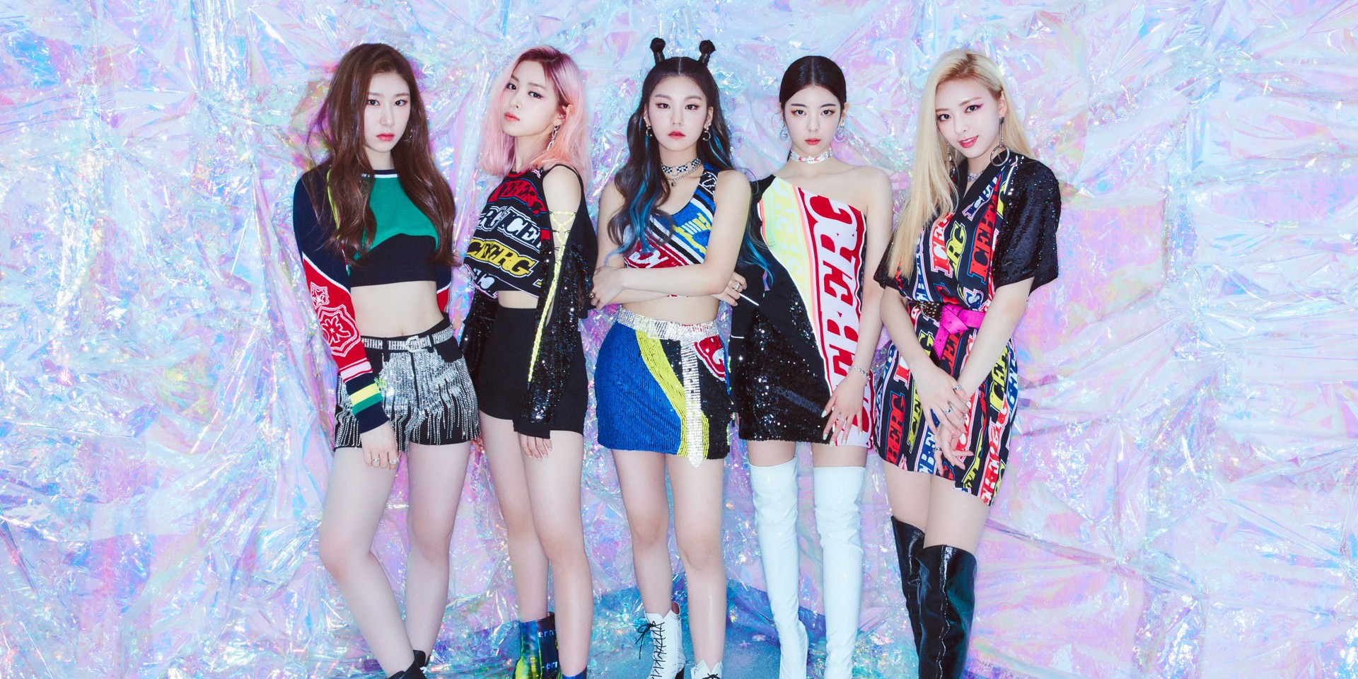 ITZY will arrive in Singapore this December for its debut showcase