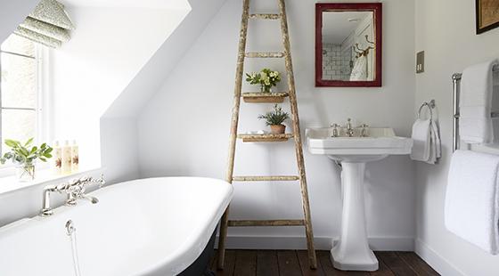 Artist Residence Oxfordshire bathroom