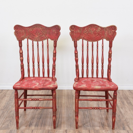 Pleasant Pair Of Red Shabby Chic Spindle Back Chairs Loveseat Download Free Architecture Designs Lukepmadebymaigaardcom