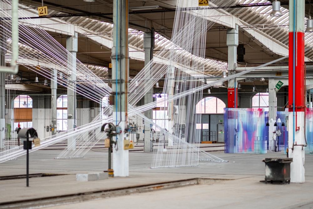 Installation: Nya Vinklar, SPACE by Jeanette/Jeanette Gostomski Studiodesign: Malmöbaserade Rumrum och schweiziska textilföretaget ZigZagZurich.  Möbler: Blå Station.