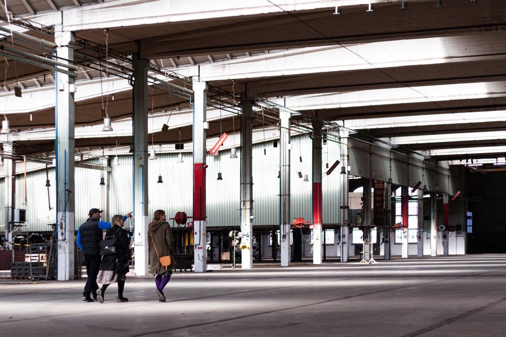 Planeringen inför Southern Sweden Design Days 27–30 maj 2021 är i full gång. Programmet på Southern Sweden Design Days 'main location' på Lokstallarna i Kirseberg kommer att ställas om och sändas digitalt.  I bild: Terese Alstin och Marina Jackler, Form/Design Center och Silas Bieri, in-discourse
