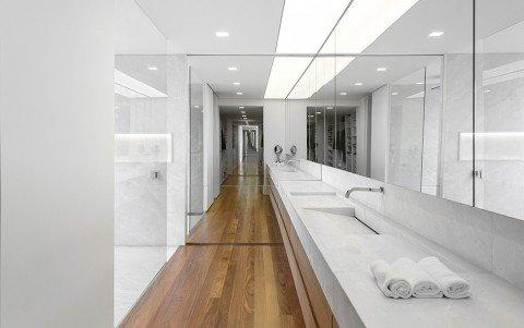 Luxury-Villa-in-Brazil-by-Studio-Arthur-Casas-7-975x613