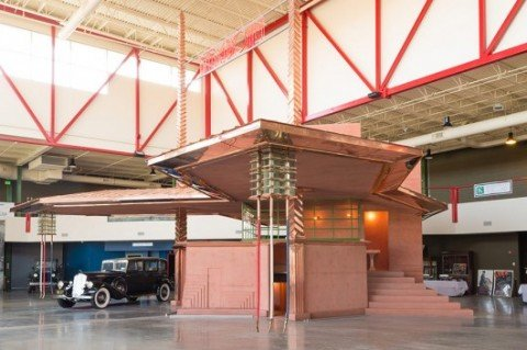 53c17091c07a80aa89000013_rare-frank-lloyd-wright-gas-station-brought-to-life_flw3-530x353