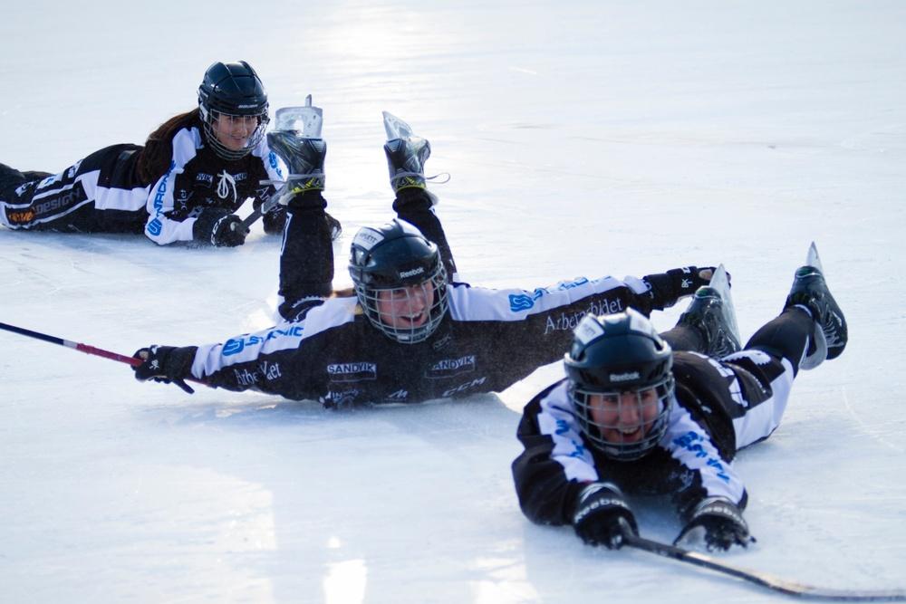 Damfinalen i bandy 2018, på Studenternas i Uppsala