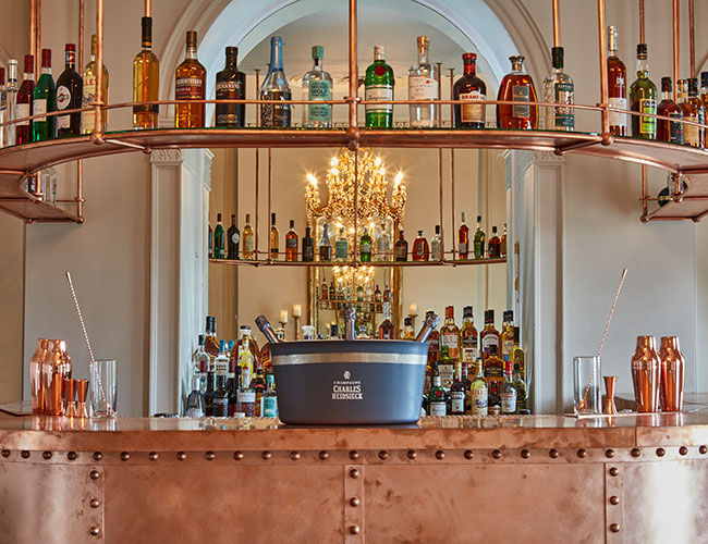 The bar at Lympstone Manor