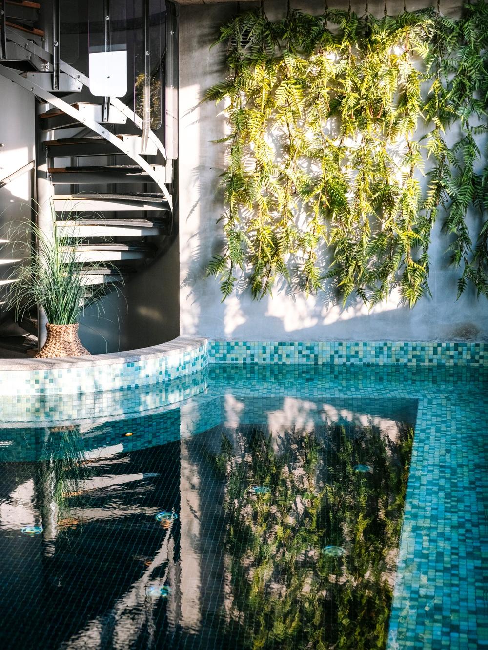 Pool inomhus på Torekov Hotells spa. Foto: Lauren Parks