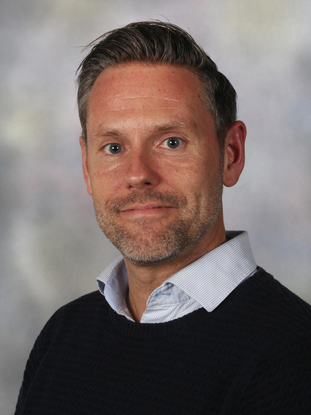 Mattias Damberg. Områdeschef Nära Vård. Biträdande Hälso- och sjukvårdsdirektör.