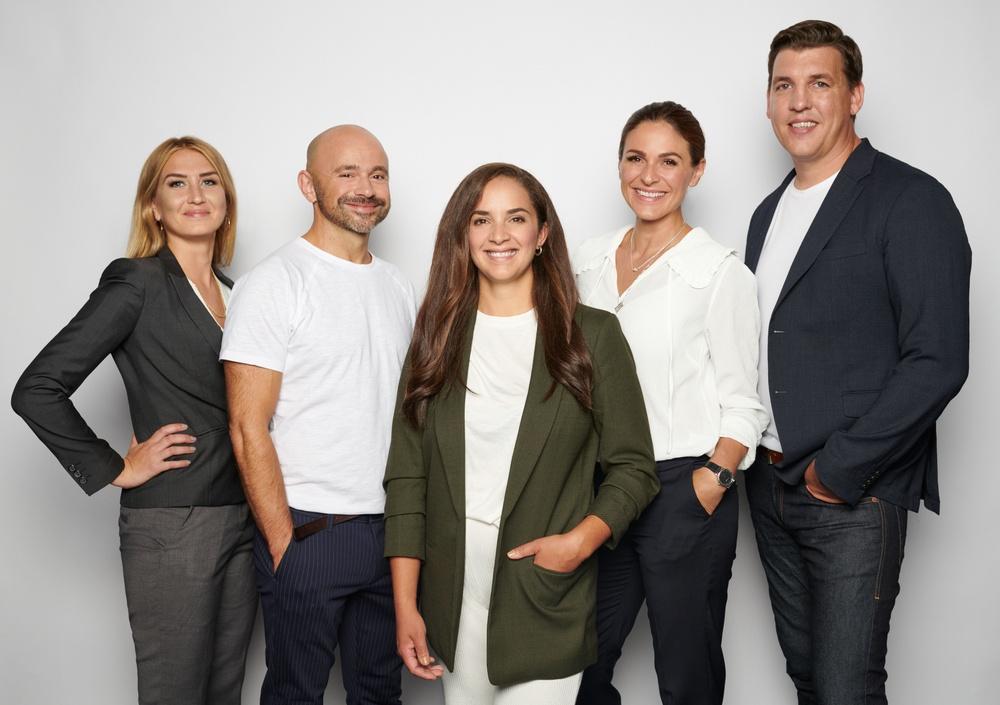 Delar av teamet som leder arbetet vid Umeåföretaget Kvix. Från vänster syns Linnea Ögren, Dan Billingham, Camilla Palm, Vlora Ramadani och Johan Thomasson.