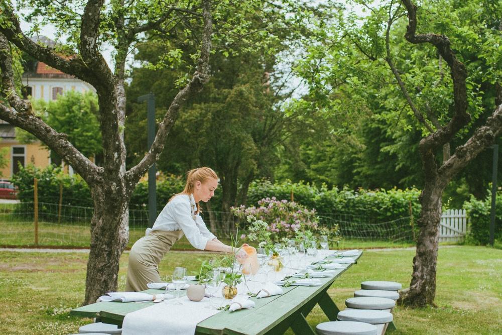 Popup-restaurang i trädgården inför öppningen av Emmer