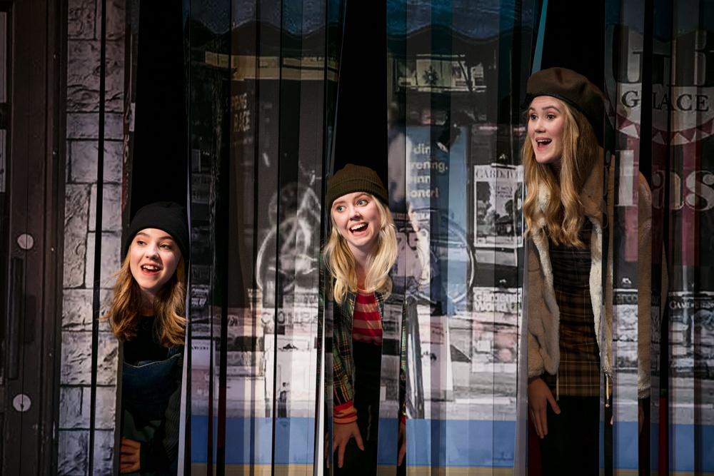 Harriet Skoog, tonåring - Linnéa Sjöstedt Cissi Vogel, tonåring - Emma Heed Emma Svensson, tonåring - Märta Grahn