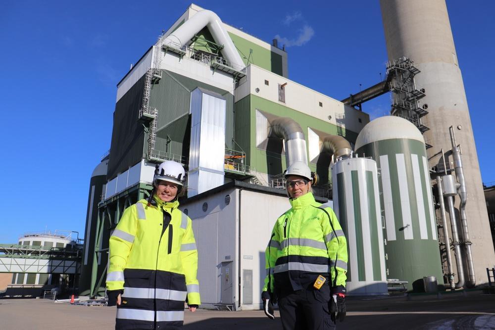 Ida Bärtfors, affärsområdeschef värme och kyla på Karlshamn Energi och  Hanna Björkman, blockchef återvinning/energi på Södras massabruk i Mörrum.