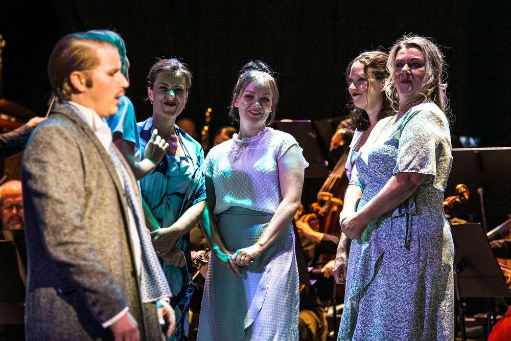 Från Vänster: Ole Aleksander Bang, Sofia Källvik, Emma Johansson, Anna Andersson Blomqvist, AnnLouice Lögdlund   Foto: Olle Renklint