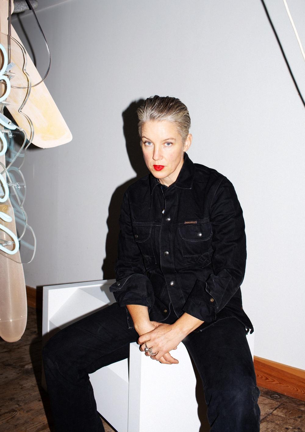 Konstnären Åsa Jungelius