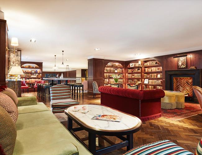 The Library bar at the Tamburlaine hotel, Cambridge