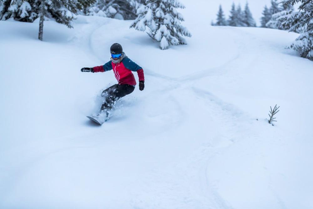Offtpiståkning i Orsa Grönklitt med snowboard
