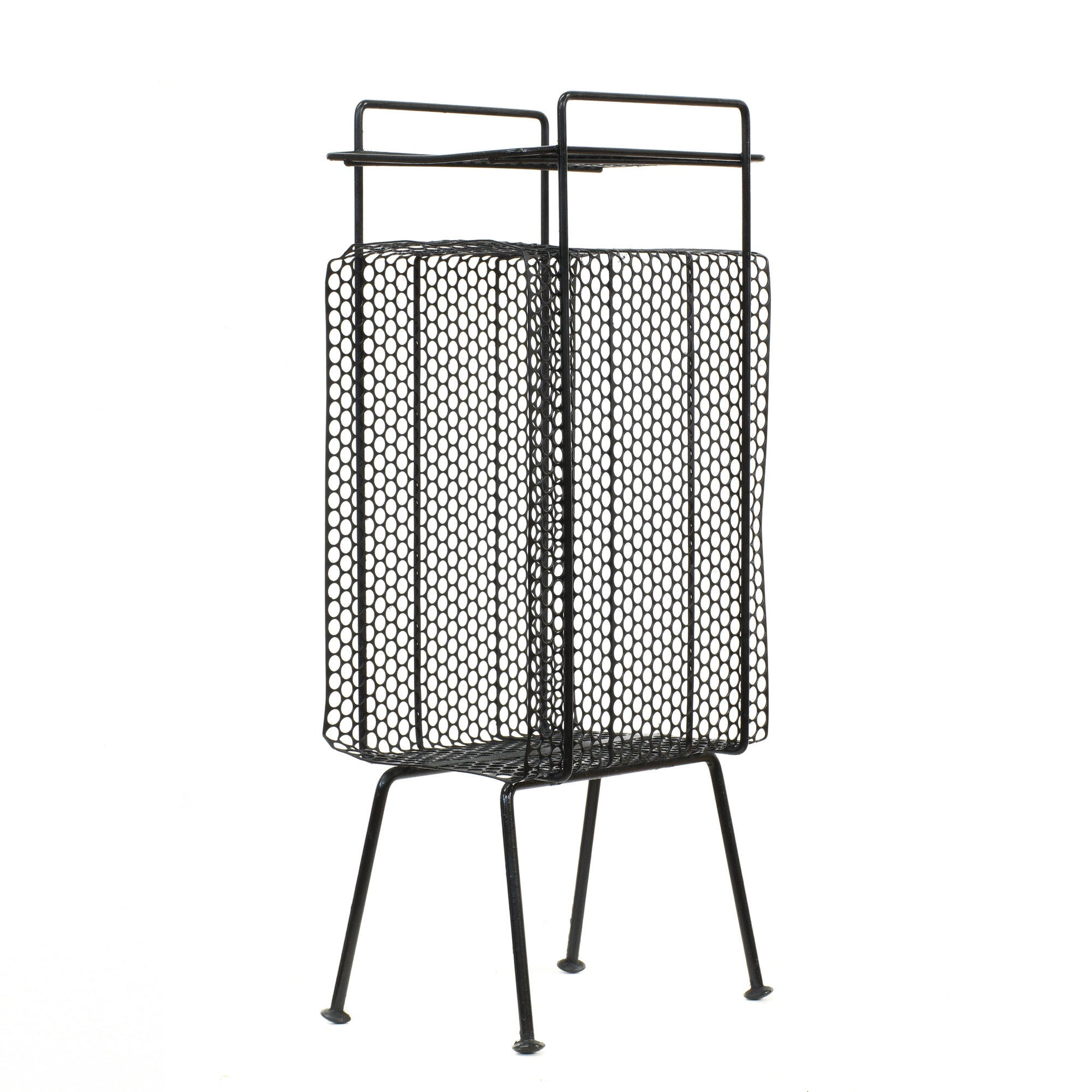mid century modern black metal wire magazine rack. Black Bedroom Furniture Sets. Home Design Ideas