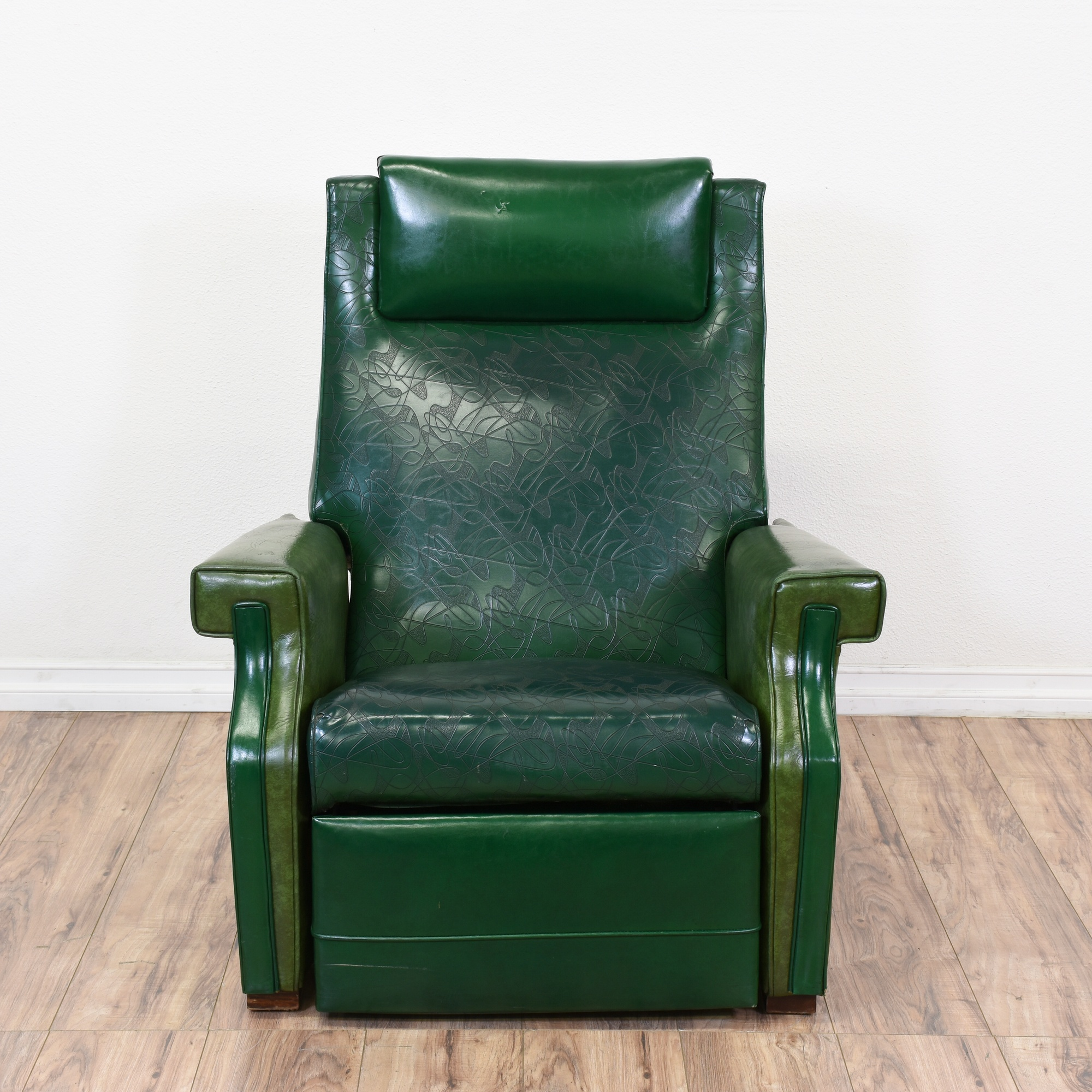 Retro Modern give mid century furniture an upcycled ...   Retro Modern Recliners