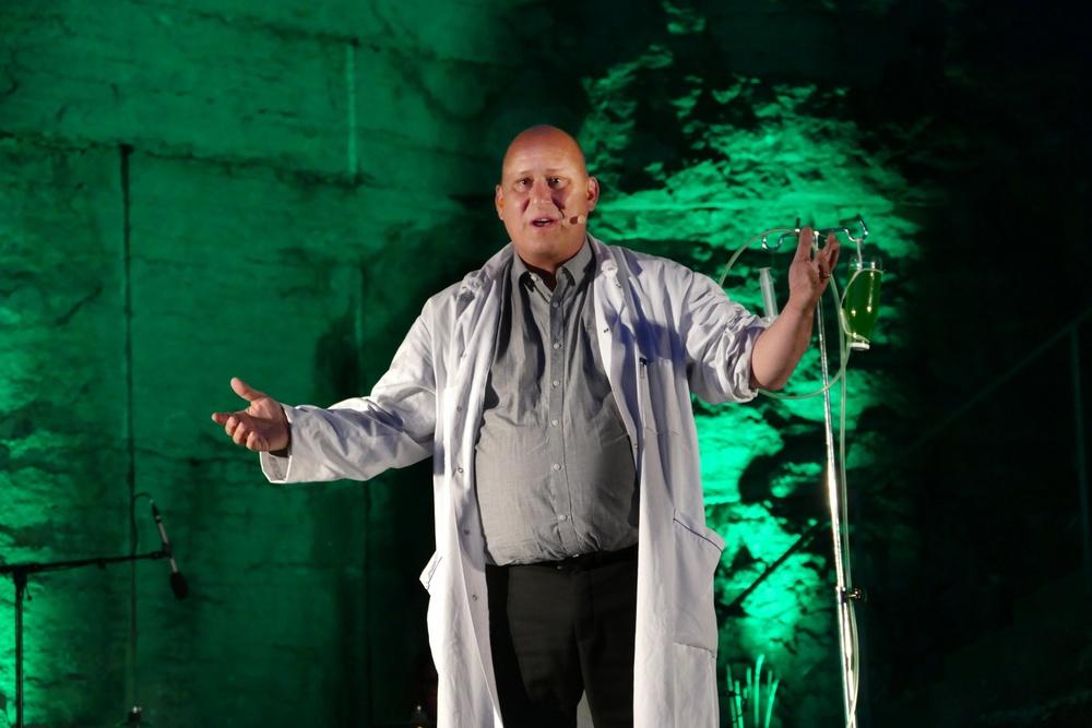 Johan Theodorsson i Kallocain med Musikteater Unna.  Foto: Jörgen Bodner.