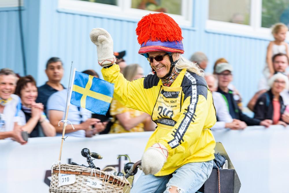 Stig Johansson är den ende som cyklat alla upplagor av Vätternrundan. På juldagen är det premiär för en dokumentär om profilen som älskar att cykla. Foto: Petter Blomberg.