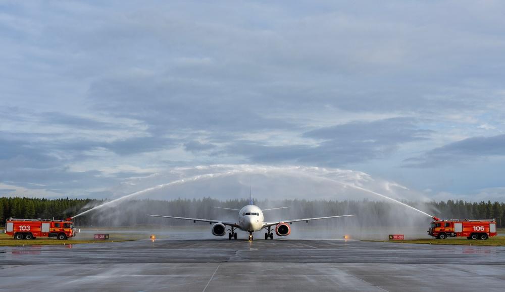 Invigning av Skellefteå Airports förlängda och uppdatearde rullbana. Foto: Niklas Jonasson