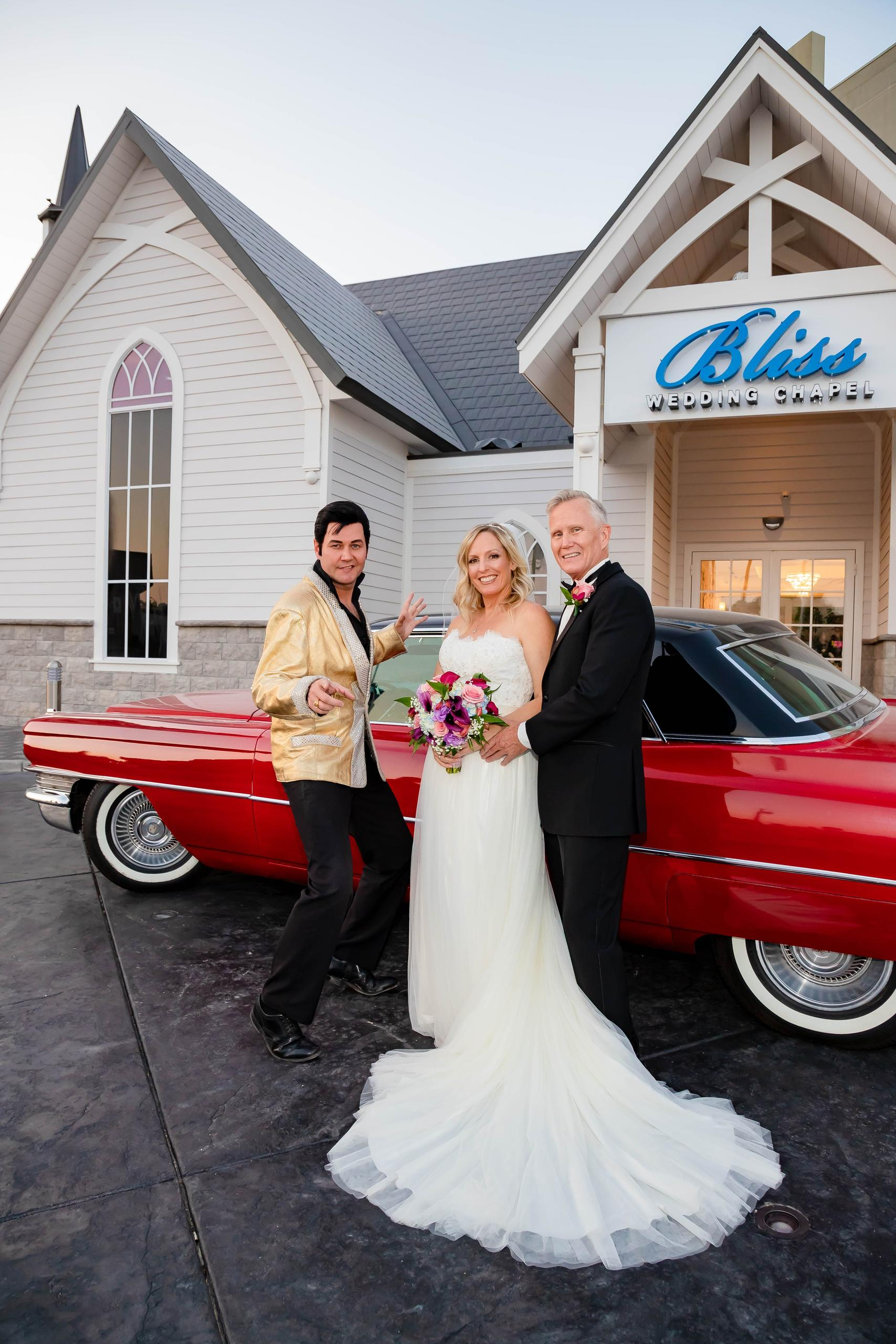 Viva Las Vegas, get Hitched by Elvis, including songs performed in the stunning main Chapel included transportation in a dream stretch limo