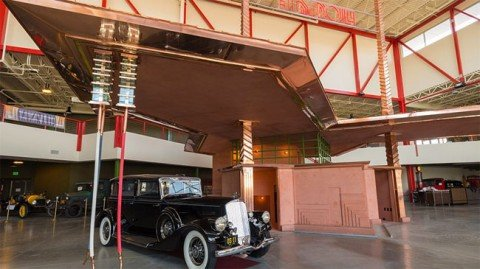 53c1709ac07a80eb1a000030_rare-frank-lloyd-wright-gas-station-brought-to-life_flw1