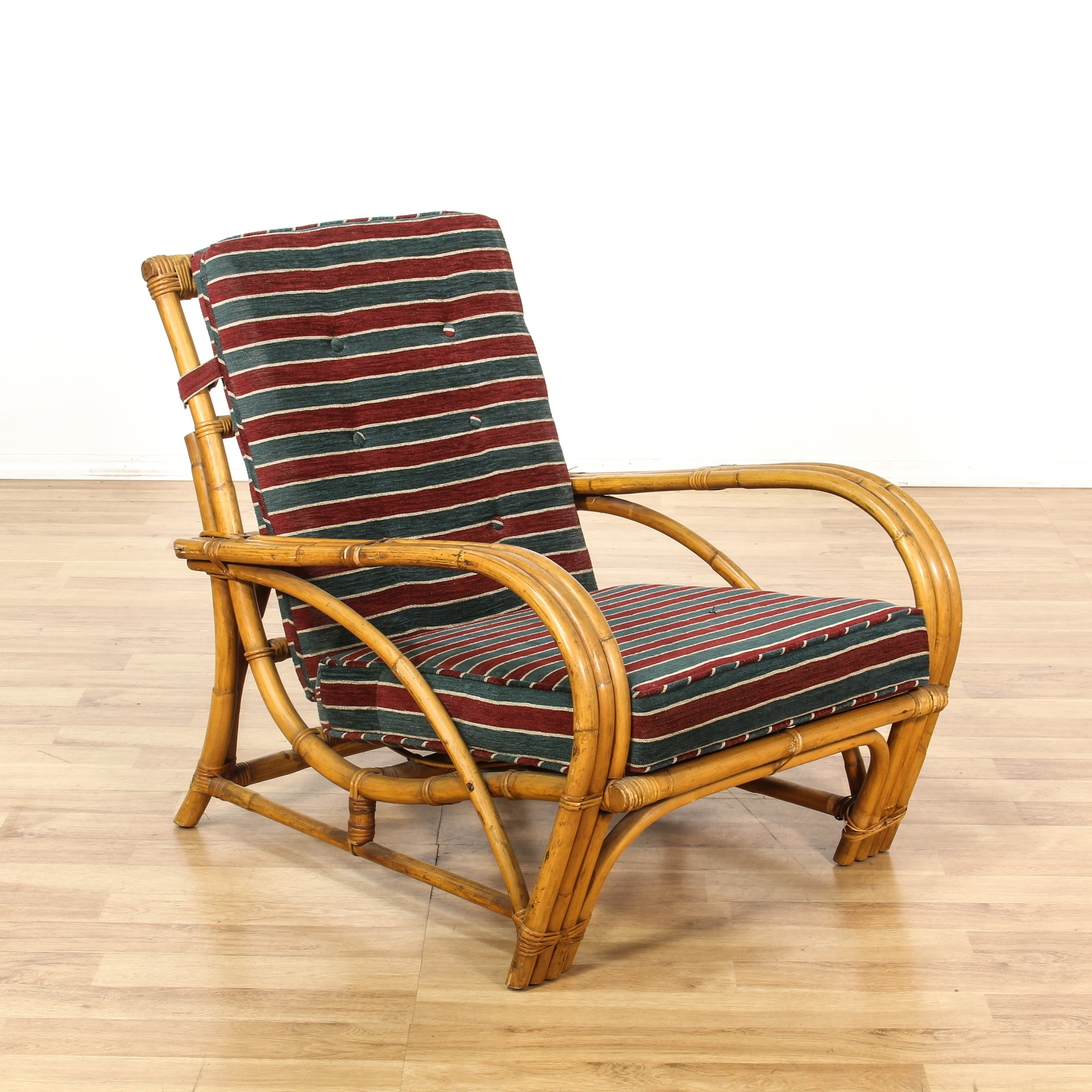 Curved rattan green red striped lounge chair loveseat for Curved lounge