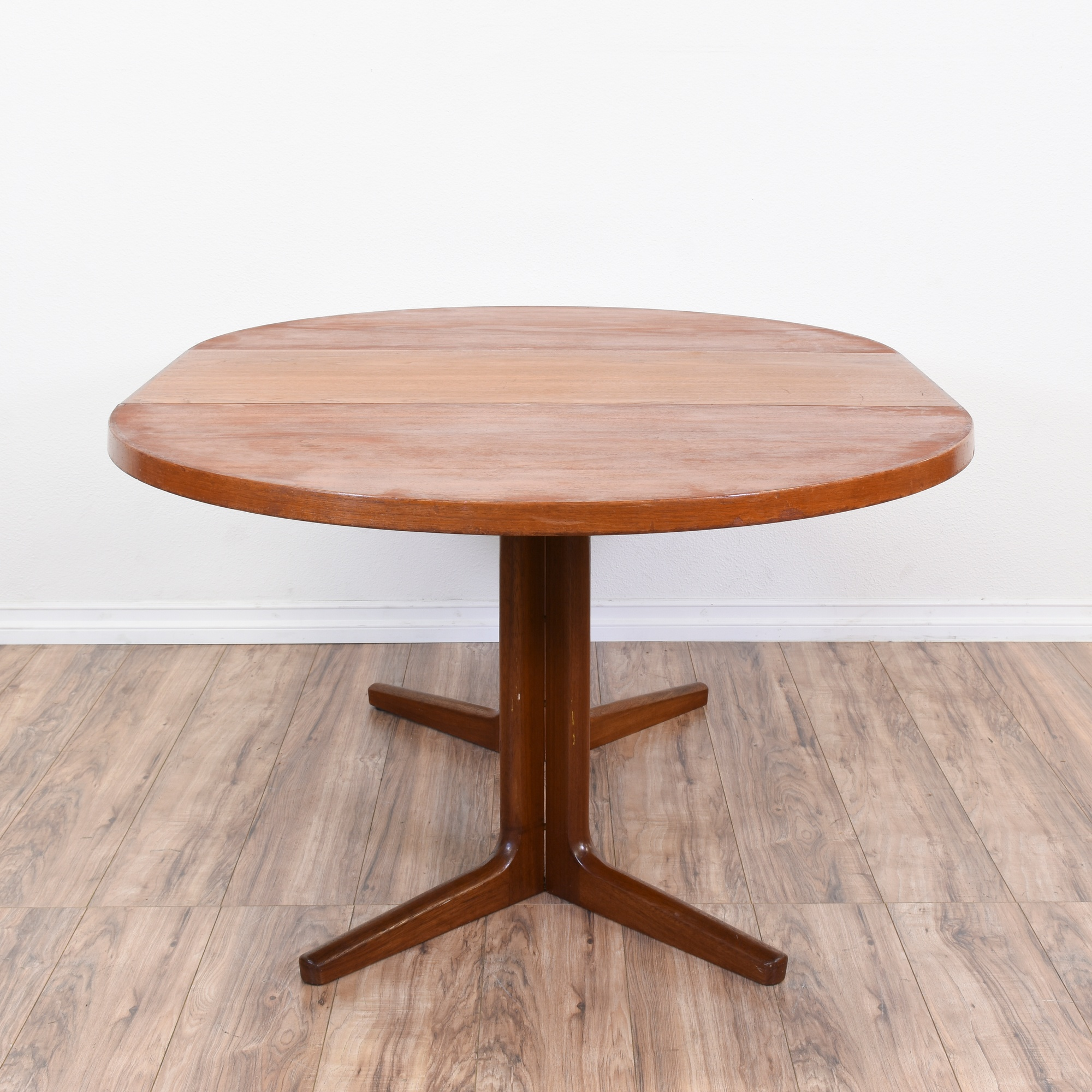 Dining Room Chairs San Diego: Danish Modern Round Dining Table W/1 Leaf