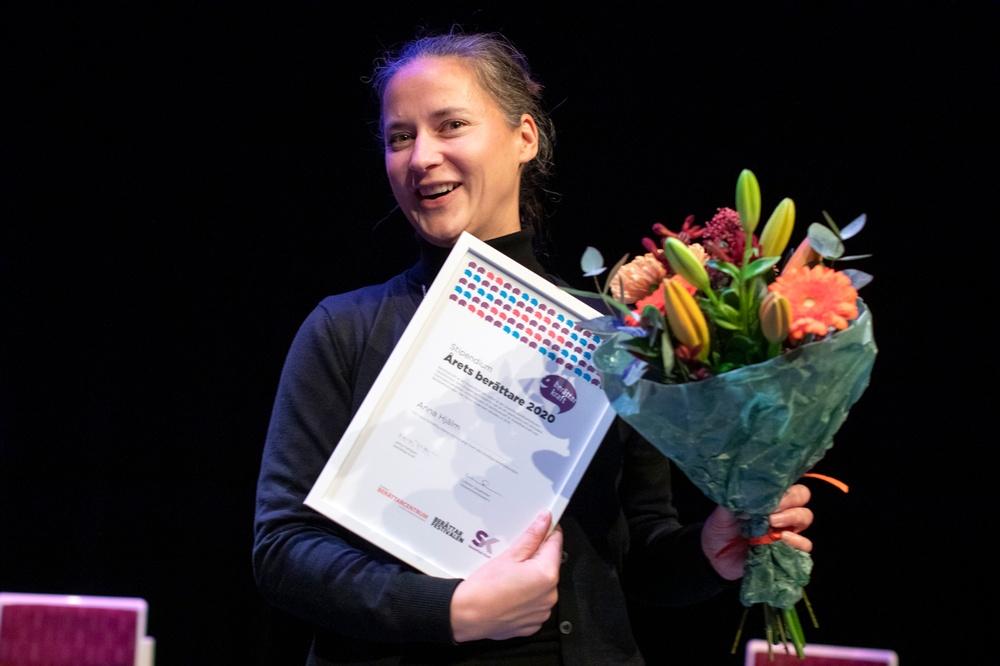 Anna Hjälm, som blev Årets berättare 2020 vid finalen på årets Berättarkraft. Foto: Patrick Degerman.
