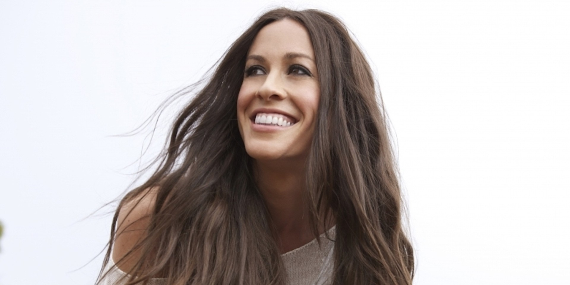 Alanis Morissette postpones Japan, Manila, Australia, and New Zealand shows, here's how to watch her livestream concert
