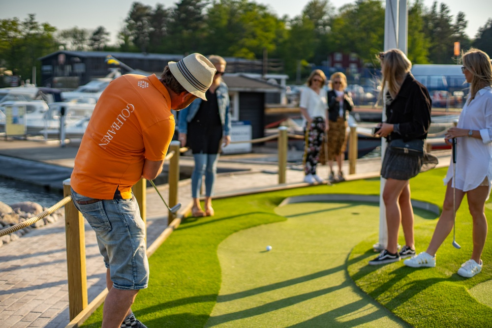 Golfbaren Jungfrusund - Minigolf by the Sea