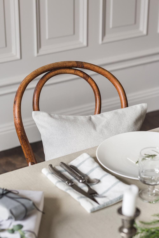 Fabric per meter, fabric: Belgian Linen Sand Beige. Bemz cushion cover, fabric: Brinken Herringbone Silver Grey.