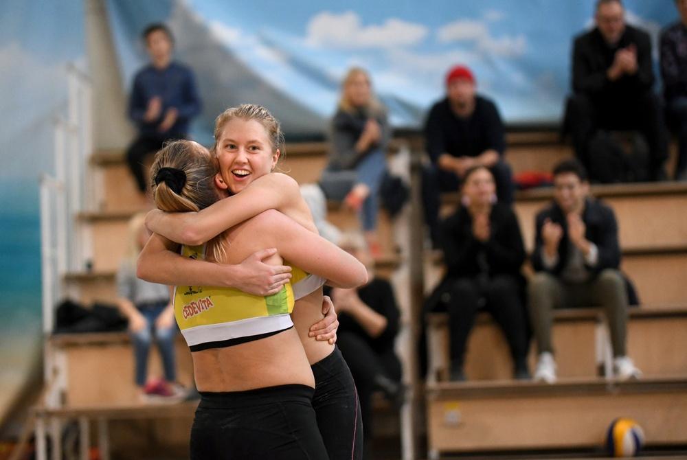 Sara Malmström och Linda Eriksson vann inledningsmatchen mot Finland. Foto: Johanna Svensson