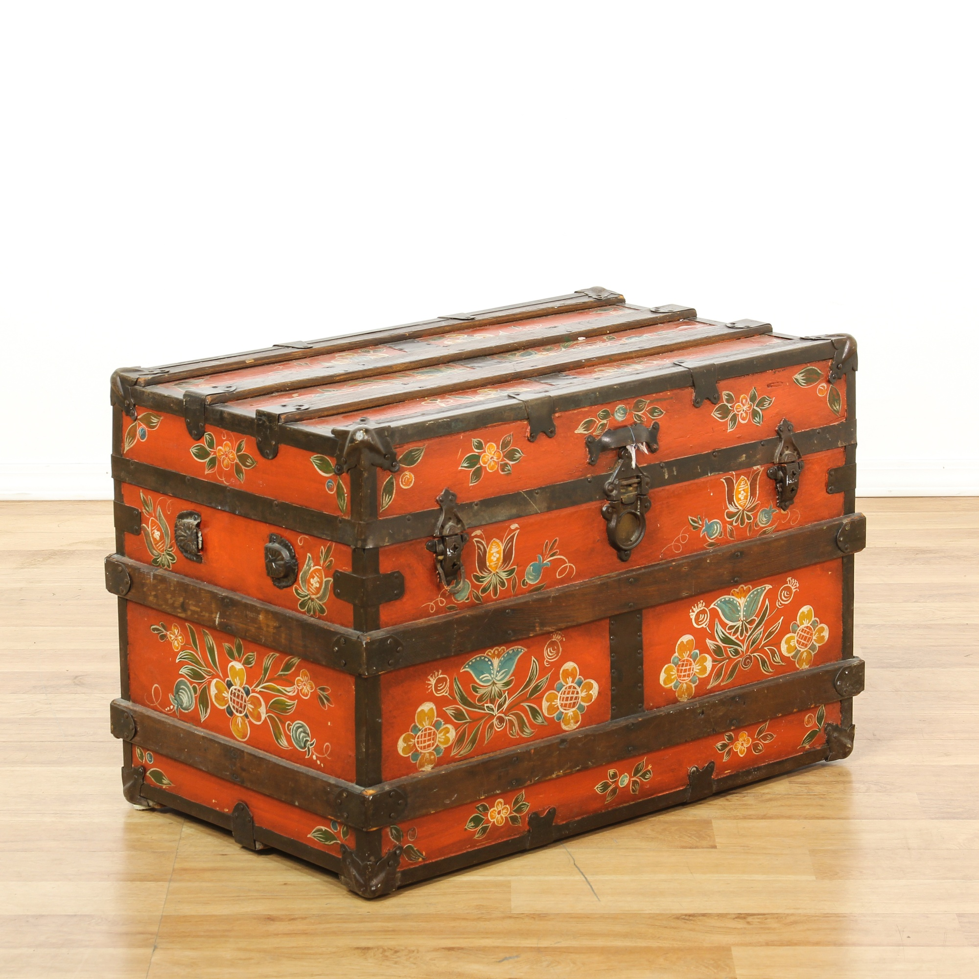 Antique Red Floral Painted Trunk | Loveseat Vintage ...