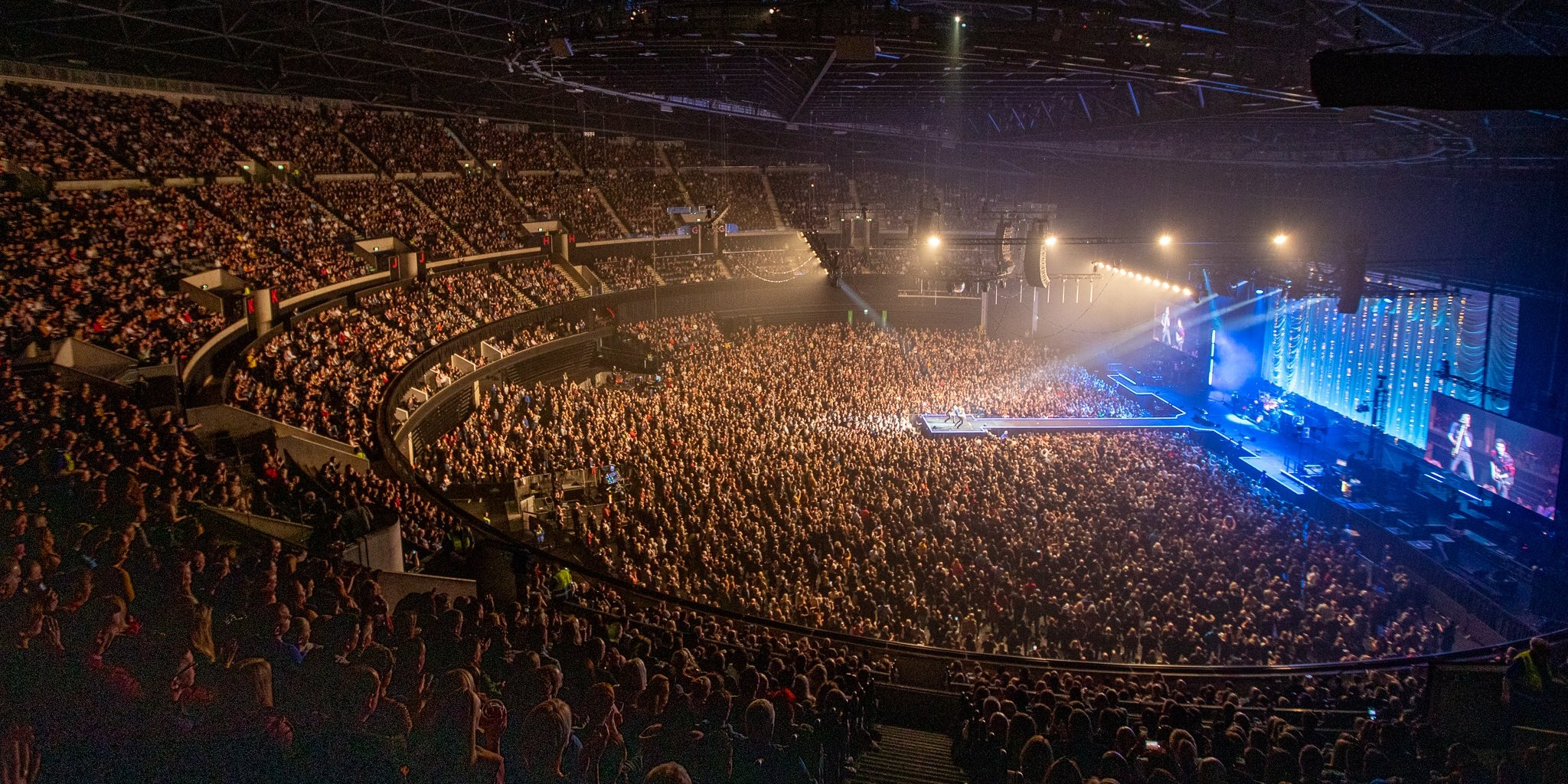 Stereophonics receive backlash for holding massive arena shows in time of COVID-19