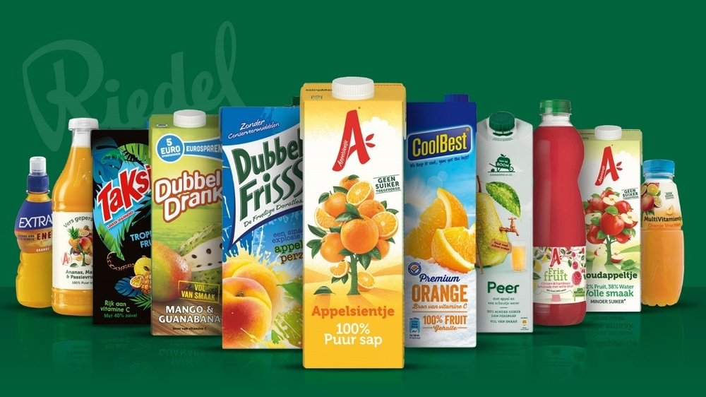 Riedel produces fruity beverages from the well-known brands Appelsientje, coolBest and DubbelFriss.