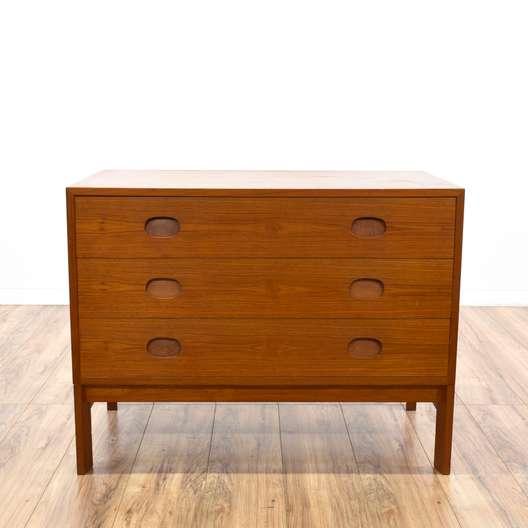 """""""Vitre"""" Danish Modern 3-Drawer Dresser"""