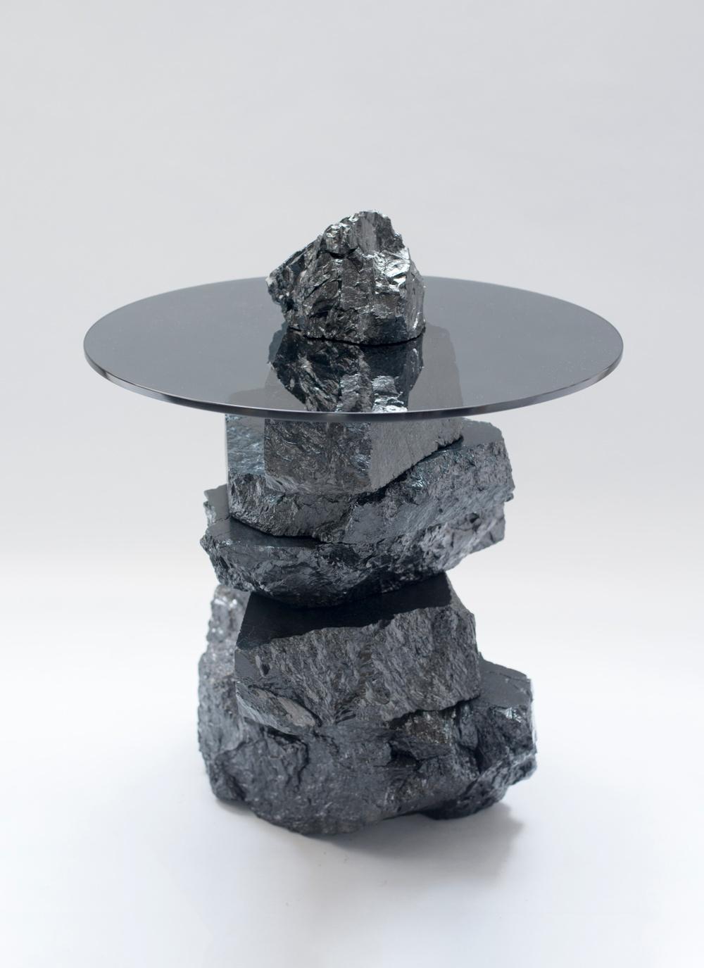 Ung Svensk Form 2020. Jesper Eriksson, Verk: Coal:Post-Fuel. Foto: Jesper Eriksson.